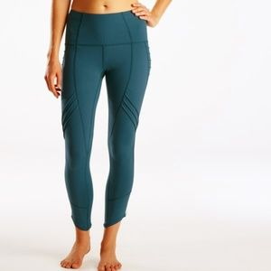 Oiselle Aero Tight in Deep Sea Blue Green